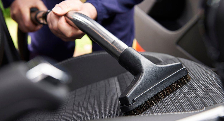 Limpeza de carro – prepare o seu para a viagem de final de ano.
