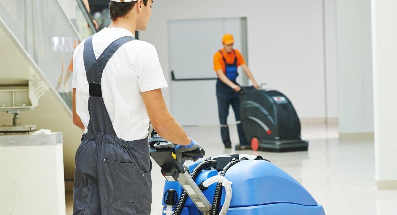 Como escolher o equipamento ideal para a limpeza do piso da sua empresa?