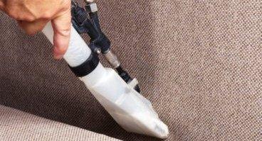 5 dicas práticas e indispensáveis para limpar seu sofá
