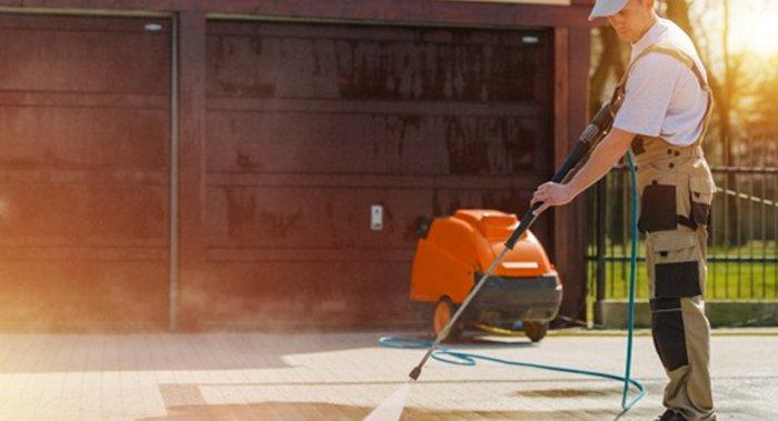 Como os equipamentos profissionais otimizam o serviço de limpeza empresarial?