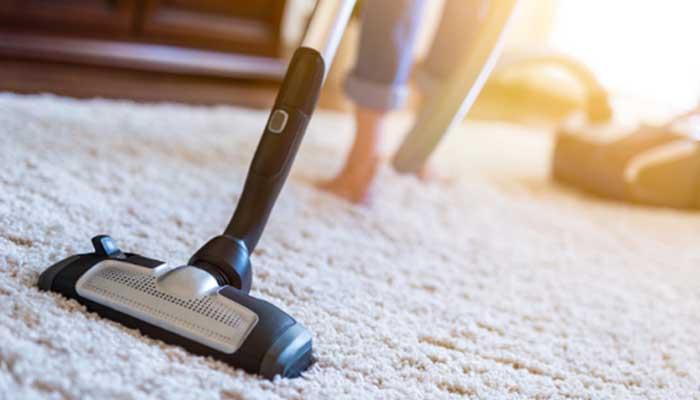 Qual a diferença entre limpeza e higienização da casa?